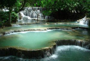 Luang-Prabang-Kuang-Si-waterfall1-e1482402699912-300x202 Destinos